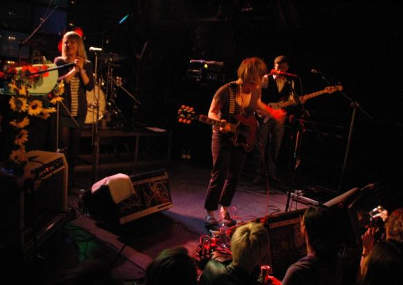 23.Apr.10 - LIVE: WALLIS BIRD